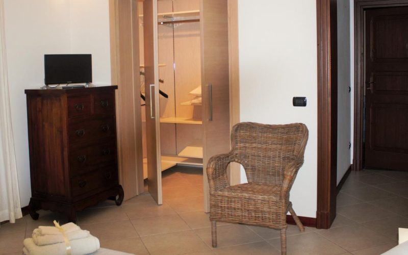 Suite Room with private bathroom_9