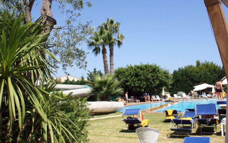 swimming pool with solarium area