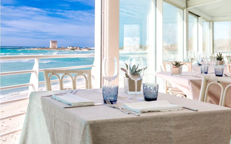 Restaurant on the beach_AQUA