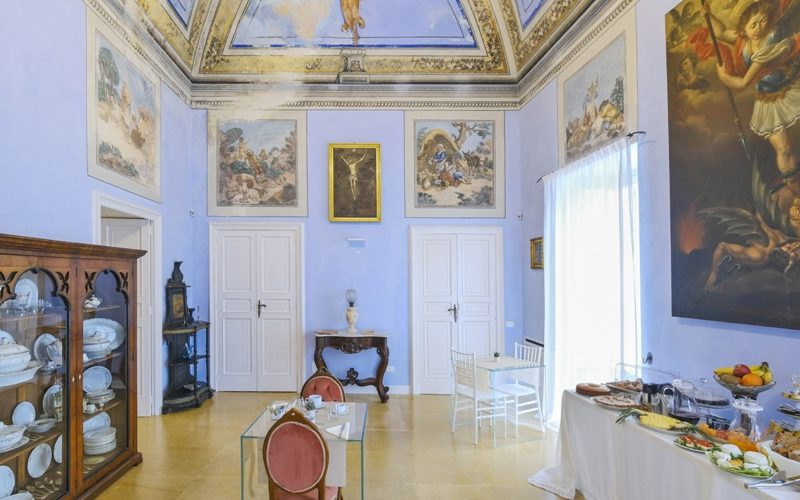 Breakfast Winter Room with Frescoes