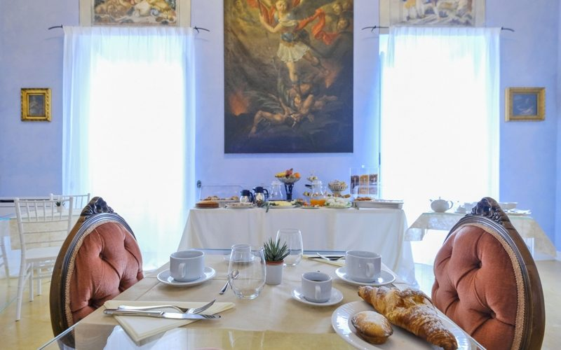 Breakfast at the Winter Room with Frescoes