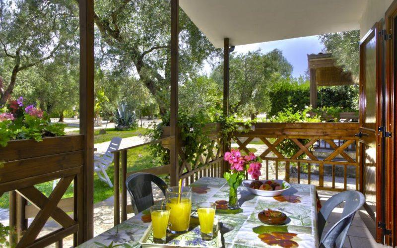 Bungalow_4 pax_private veranda