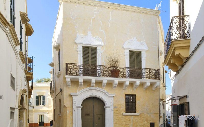 Front of PascaRaymondo Palace